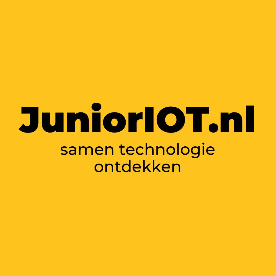 JuniorIOT slogan zwart op geel - vierkant